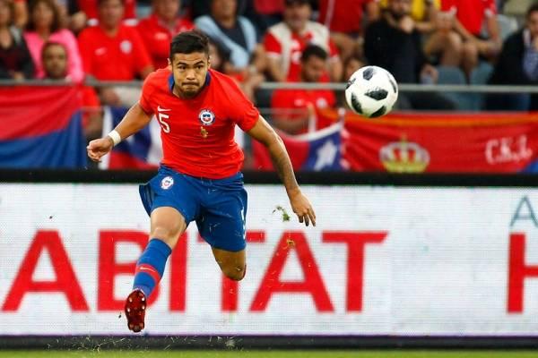 Paulo Díaz emerge como uno de los líderes del recambio en la Roja ¿Lo seguirá siendo al marcharse al fútbol de Arabia Saudita? / Foto: Agencia UNO