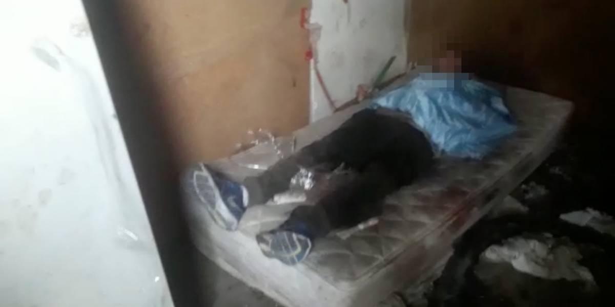 Las tétricas imágenes de violento secuestro en Recoleta: Carabineros encontró a hombre amarrado a una cama, sangrando y mojado en combustible