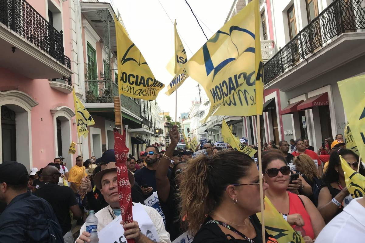 Miembros de diversas organizaciones participaron de la protesta. / Foto: David Cordero Mercado