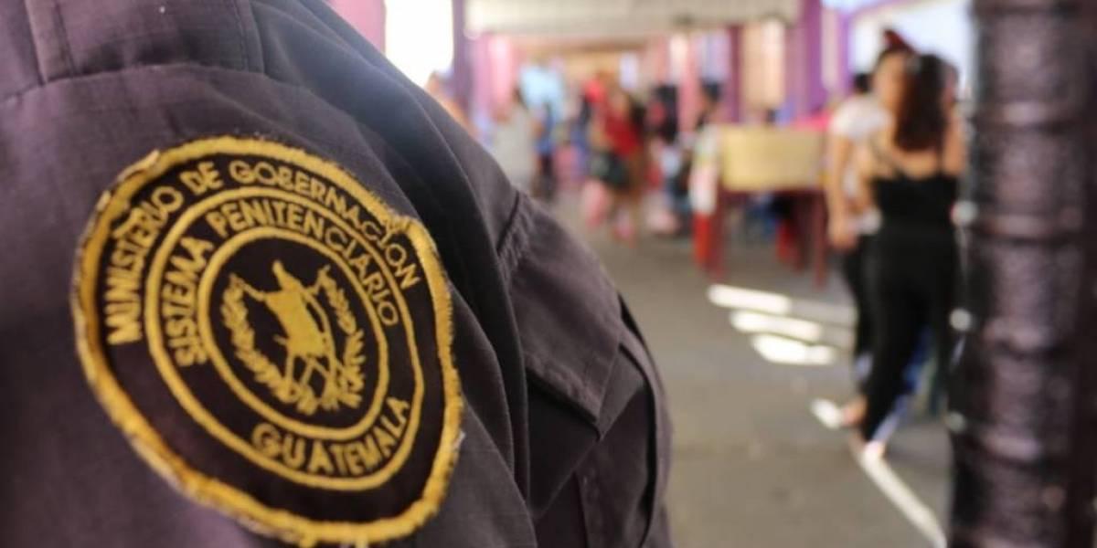 Autoridades realizan requisas simultáneas en cinco cárceles del país