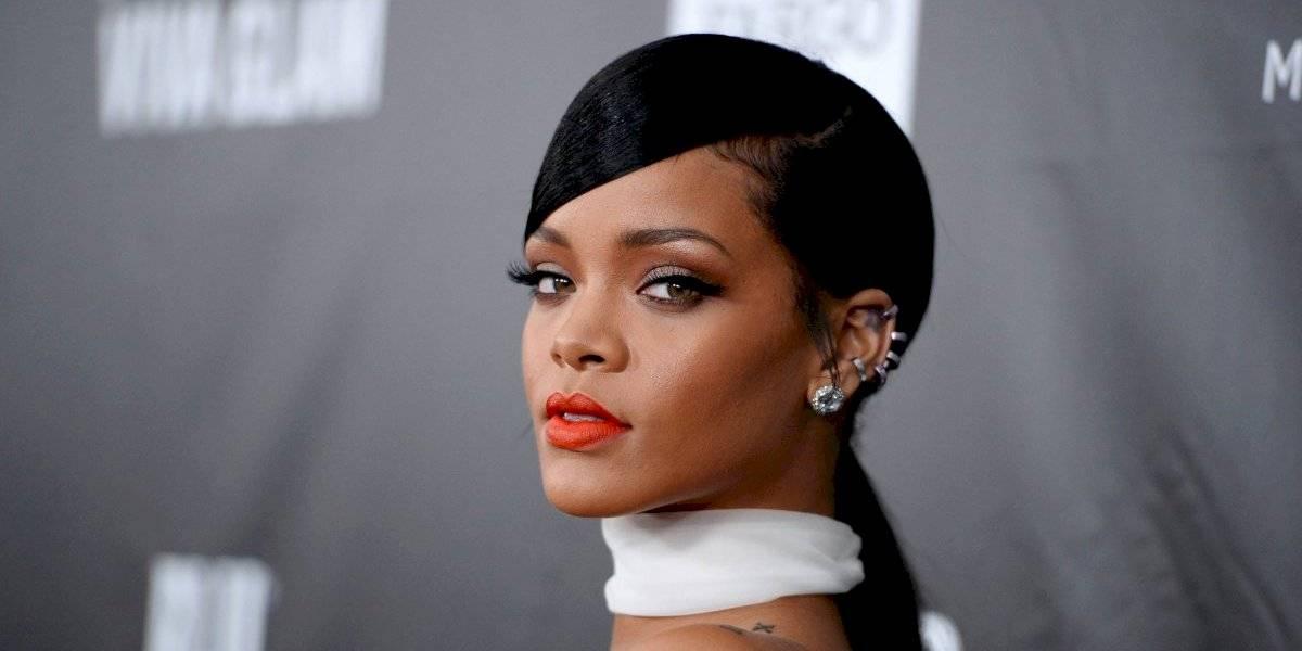 Rihanna muestra su evidente cambio de peso con un diminuto y ajustado vestido