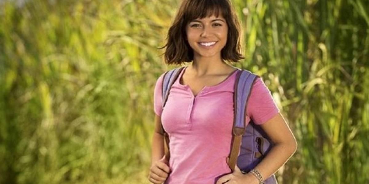 Isabela Moner, de Transformers, aparece como Dora, a Aventureira em primeira foto do filme