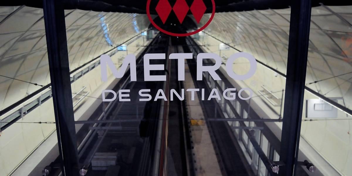 """No me siento un héroe"": la historia del guardia del Metro que evitó que joven se quitara la vida"