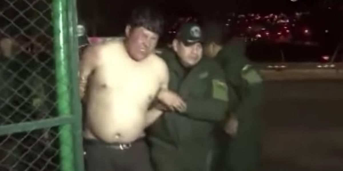 "VIDEO. Diputado se convierte en ""meme"" tras desnudarse en aeropuerto"