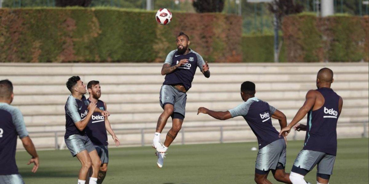 Ya tiene número: Arturo Vidal jugará con la 22 en Barcelona