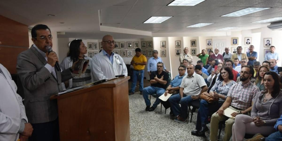 Médicos rechazan propuesta de la cartera de Salud sobre tabla salarial