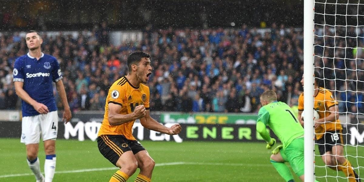 VIDEO: Raúl Jiménez marca su primer gol en Premier League
