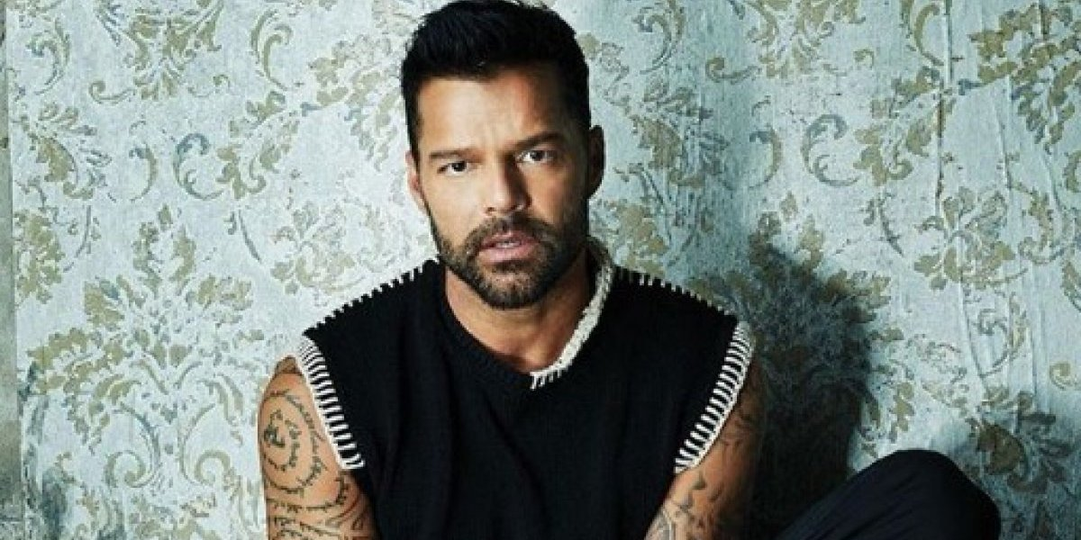 Ricky Martin enloquece a fans con foto sin camisa