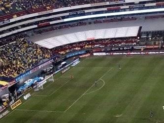 Estadio Azteca presenta pésimas condiciones César Becerra