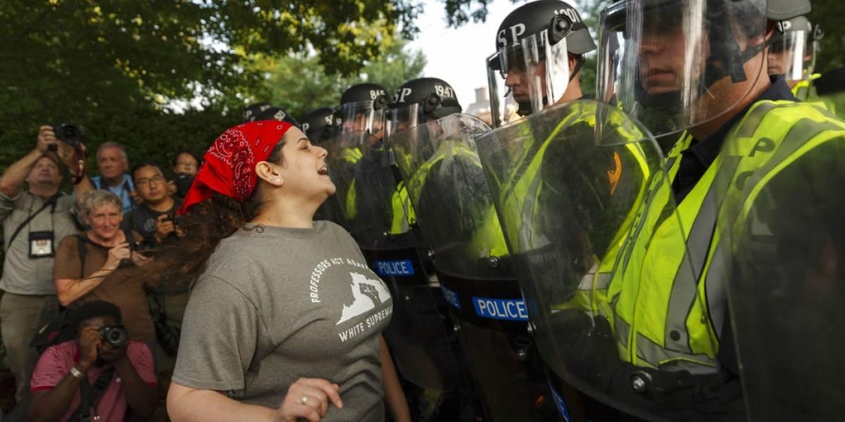 Conmemoran aniversario de Charlottesville con manifestación