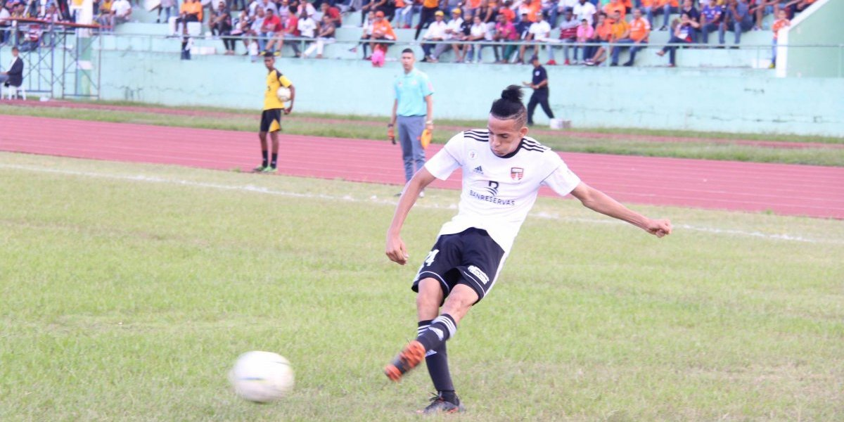 """Edarlyn Reyes asegura pase de Cibao FC a la """"Liguilla"""" de la LDF"""