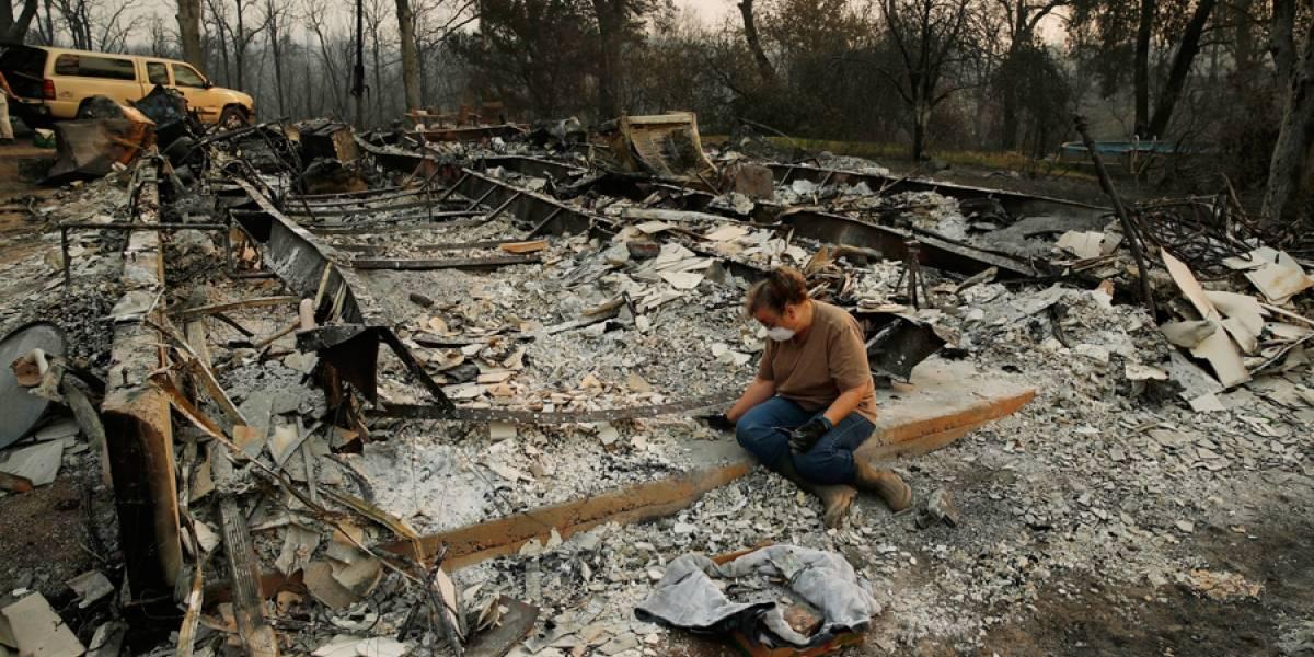 Avanzan en el combate a uno de los incendios en California