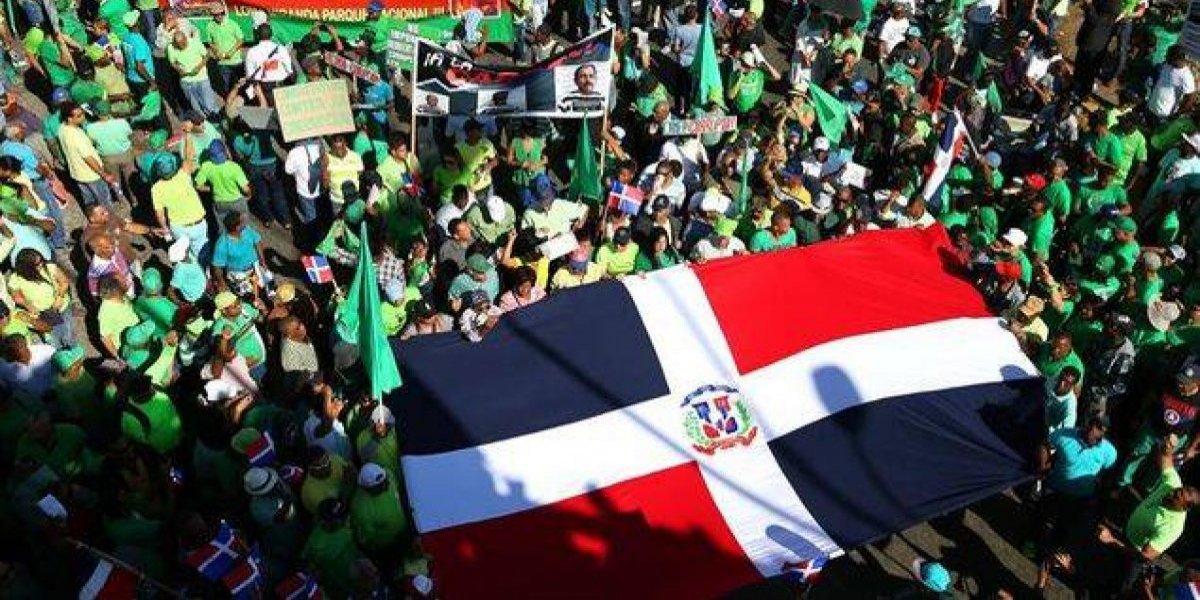 Miles de dominicanos marchan contra corrupción y por justicia caso Odebrecht
