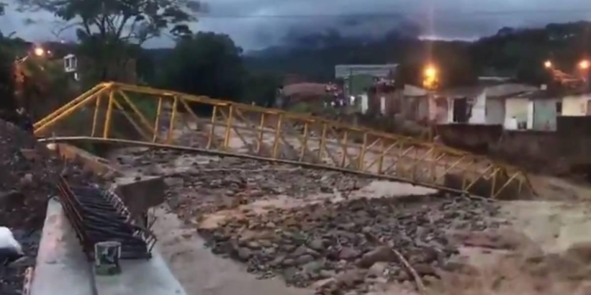Iván Duque ordena enviar 10.000 galones de agua potable a Mocoa