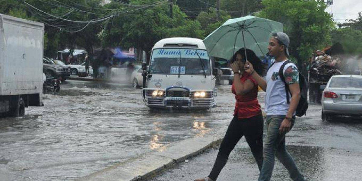 Hay provincias en alerta. Vaguada y onda tropical generarán fuertes lluvias