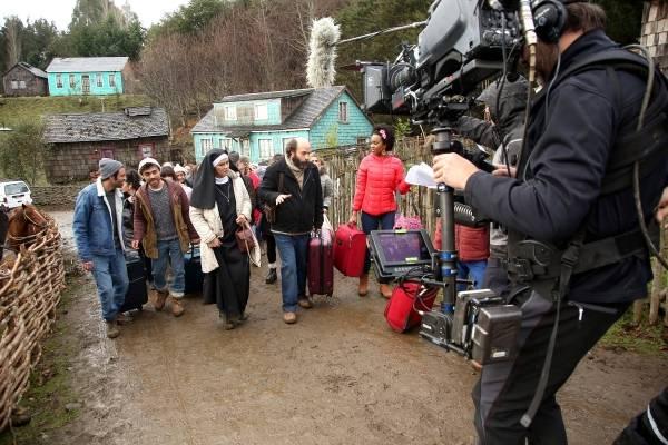 Paola Volpato encabeza el elenco que por estos días graba en Chiloé