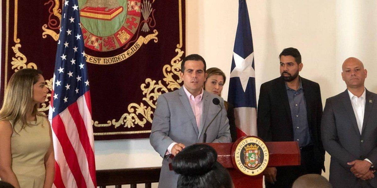 Gobernador anuncia primera escuela chárter