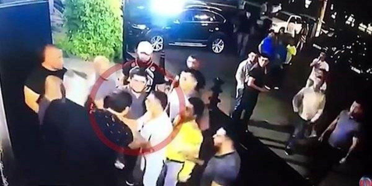 VIDEO: Guardias de club matan a campeón de la MMA