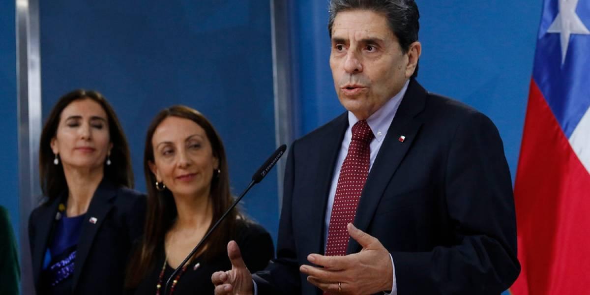 """""""Solicitamos la renuncia"""": actores, periodistas y artistas lanzan campaña en redes sociales pidiendo la salida de ministro Rojas"""