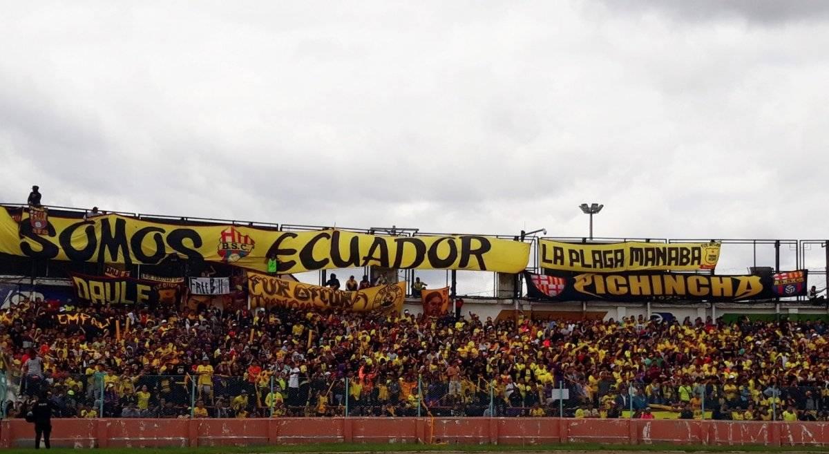 Los fans apoyaron a su equipo en el duelo ante Deportivo Cuenca. / Twitter: @barcelonaSC