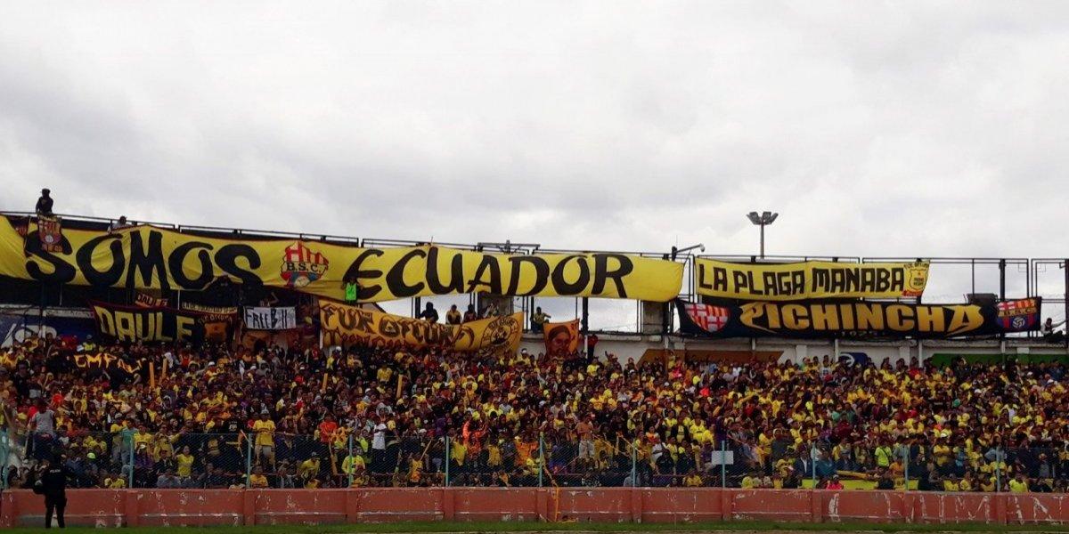 Mueren 12 aficionados del Barcelona SC de Ecuador en accidente