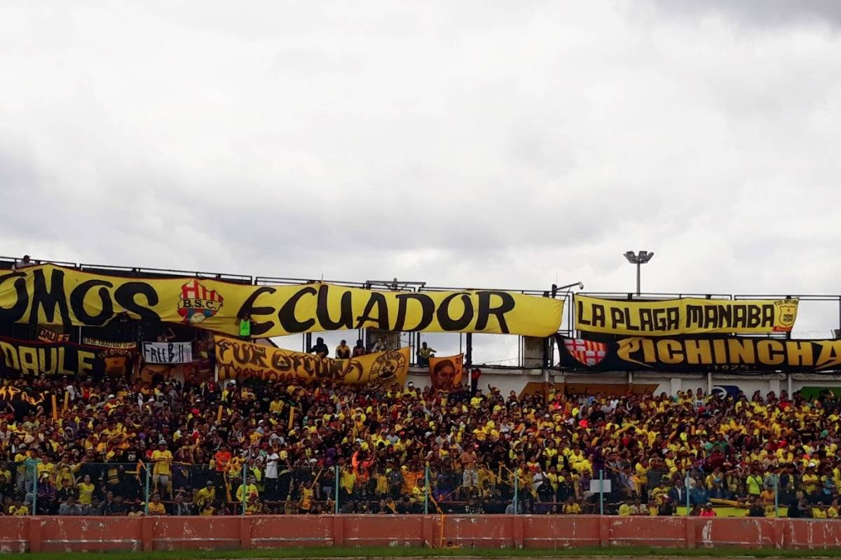 12 fans of the Barcelona SC of Ecuador die in accident
