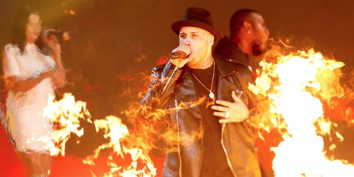 Nicky Jam pasa el susto de su vida en pleno show