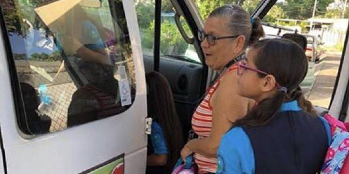 Tras descoordinación de Educación, municipio de Morovis transporta a estudiantes