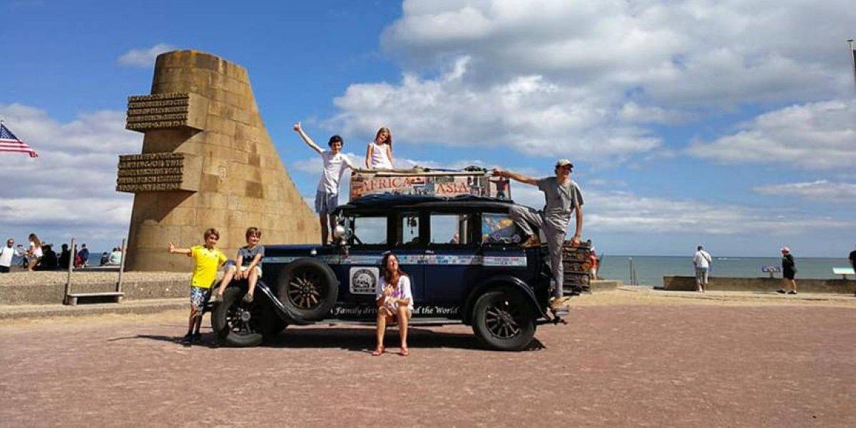 EN IMÁGENES. A bordo de un auto de 1928, una familia argentina recorre los 5 continentes