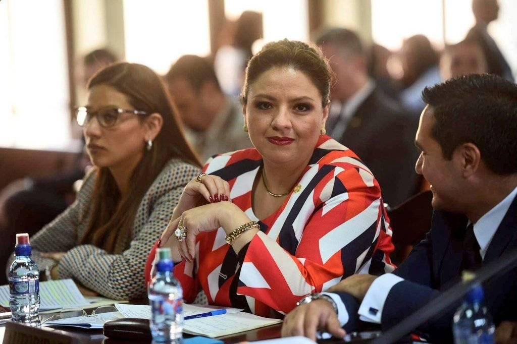 La ministra de Relaciones Exteriores, Sandra Jovel, antes de la vista pública en la CC. Foto: Edwin Bercián