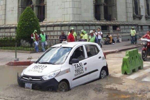 Taxista en cemento fresco