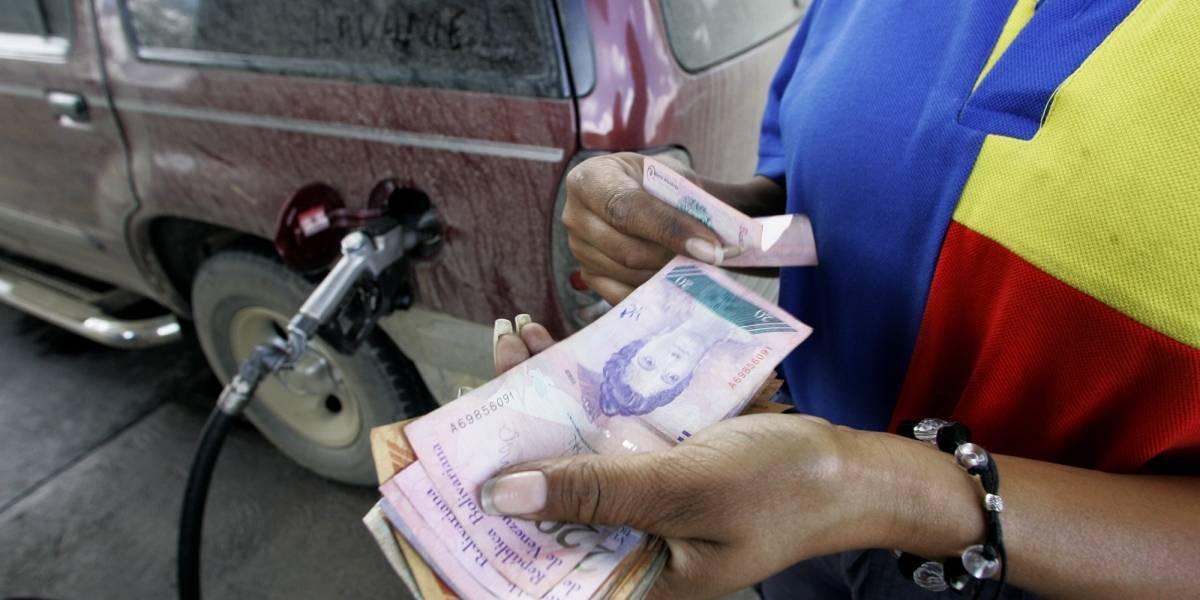 """""""Dejará de ser regalado"""": Sin """"carnet de la Patria"""" la gasolina en Venezuela se pagará a precio internacional"""