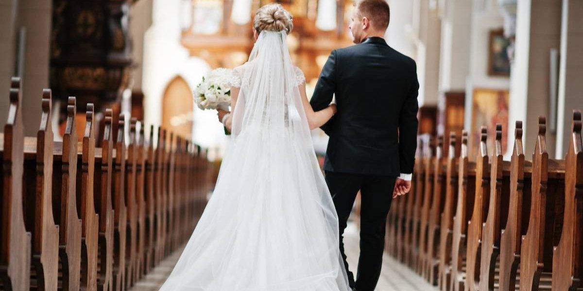 Le amputaron brazos y piernas y aceptó casarse con el amor de su vida con una condición: sólo lo haría si podía caminar por el pasillo hacia el altar