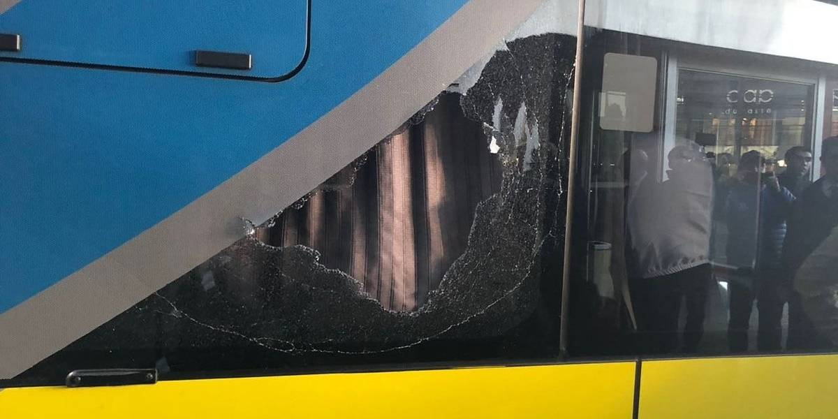 """""""Esto es una vergüenza, una miseria"""": en Argentina reclamaron por el ataque al bus de San Lorenzo en Temuco"""