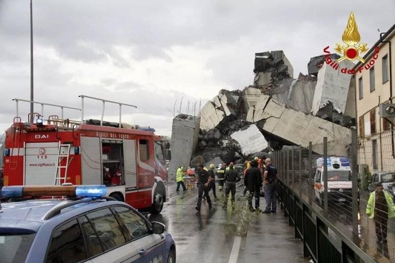 Derrumbe puente en Génova, Italia. AP