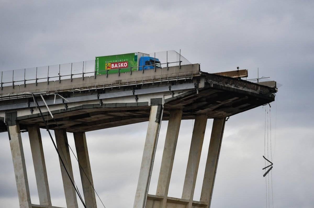 Puente Génova