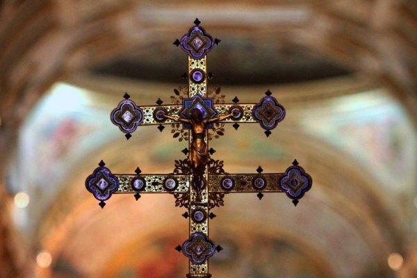 Allanan dependencias de la Conferencia Episcopal