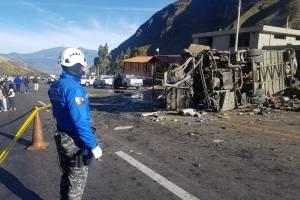 La vía Pifo - Papallacta se encuentra inhabilitada debido al accidente de tránsito