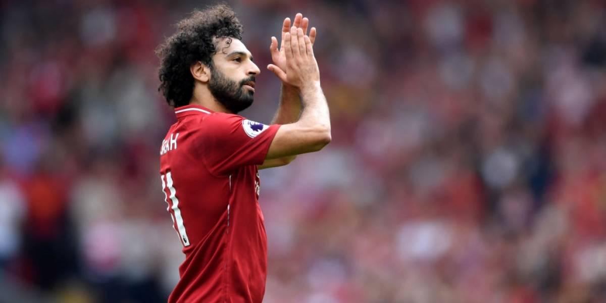 Insólito, pero para aprender: Liverpool denuncia a Salah a la policía por usar su celular cuando manejaba