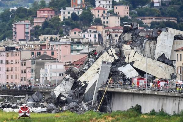 Imágenes del puente que colapsó hoy, 14 de agosto, en Génova, Italia. / Foto: GettyImage
