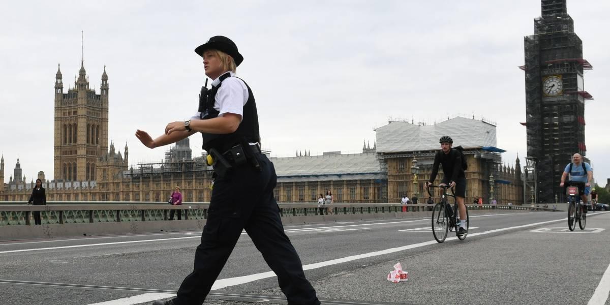 Atropellamiento en Londres se investiga como atentado terrorista