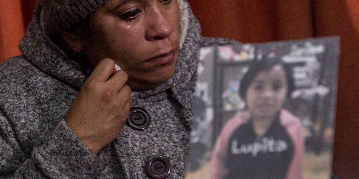 """Familia de """"Calcetitas Rojas"""" pide retirar caso de La Rosa de Guadalupe"""