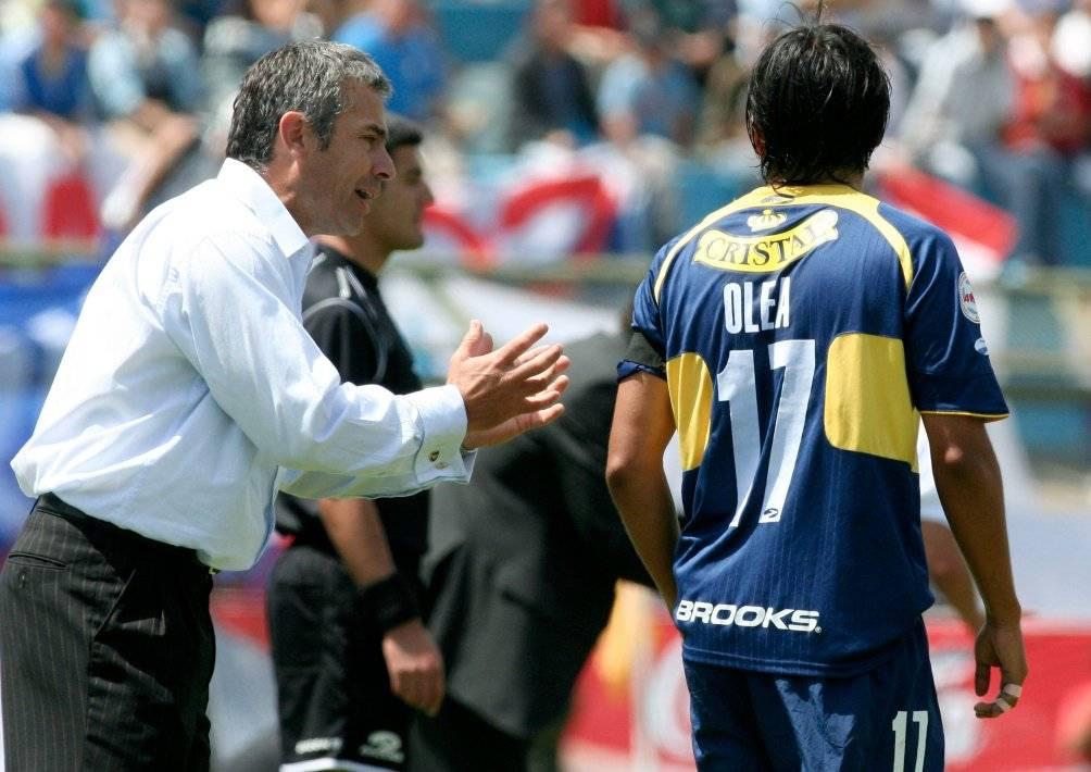 Juvenal Olmos tuvo un paso marcado por los malos resultados en Everton en 2007. Esa es la última experiencia que registra como DT / Foto: Photosport