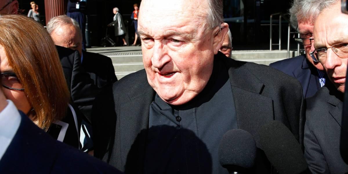 Australia: arresto domiciliario para cura que tapó abusos
