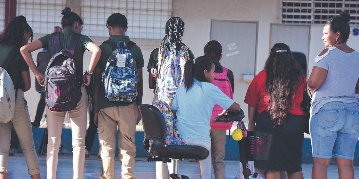 Enredado comienzo de clases en las escuelas