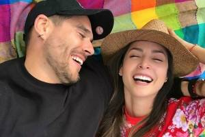 Novio de Carmen Villalobos le pide matrimonio en programa de TV