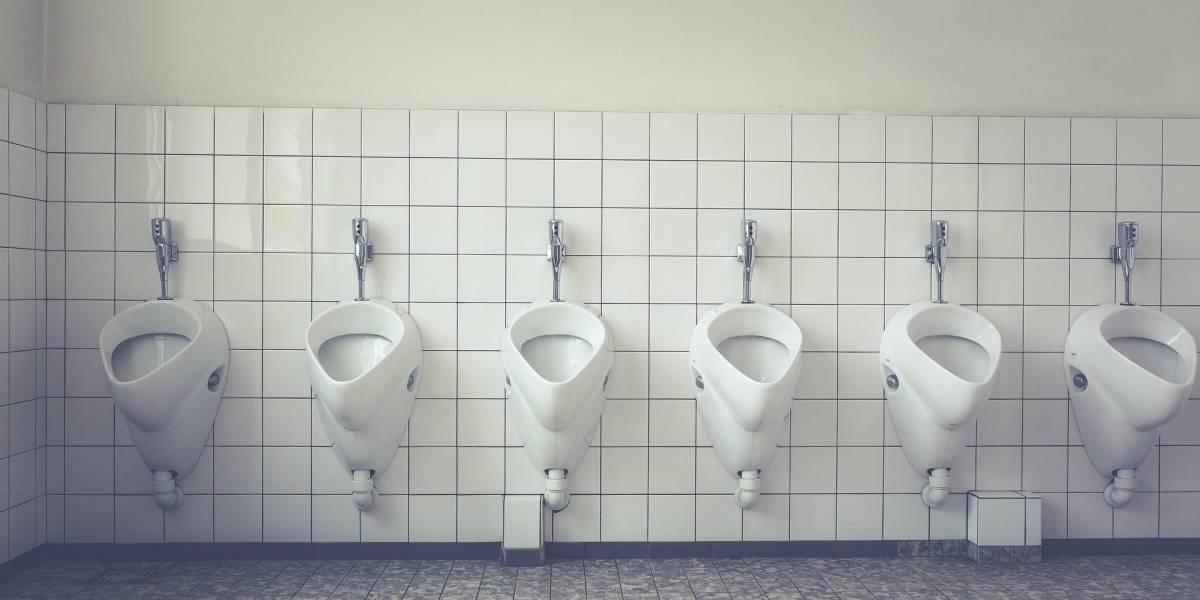 """París rechaza urinarios públicos por """"exhibicionistas"""""""