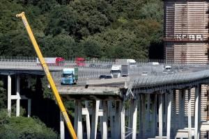 https://www.metrojornal.com.br/foco/2018/08/18/sobe-43-numero-de-mortos-em-queda-de-ponte-em-genova.html