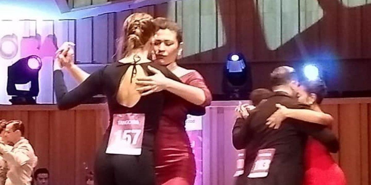 """""""Decidimos bailar contra el machismo"""": mujeres danzan juntas en el Mundial de Tango 2018 en Argentina"""