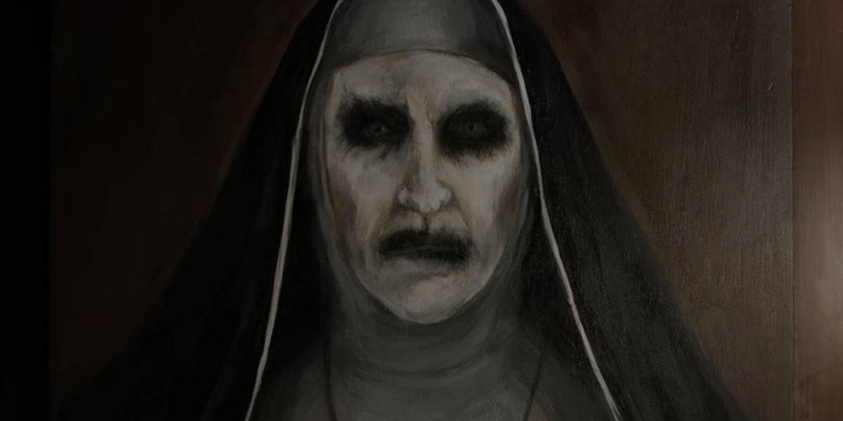 A Freira: Veja como é atriz que interpreta a assustadora religiosa do filme